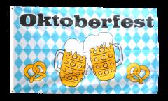 Flagge Oktoberfest Bierkrug und Brezel